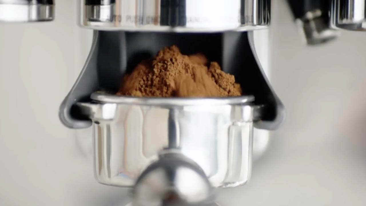 Best Coffee Maker with Grinder 2020 (Grind and Brew): Reviews & FAQs