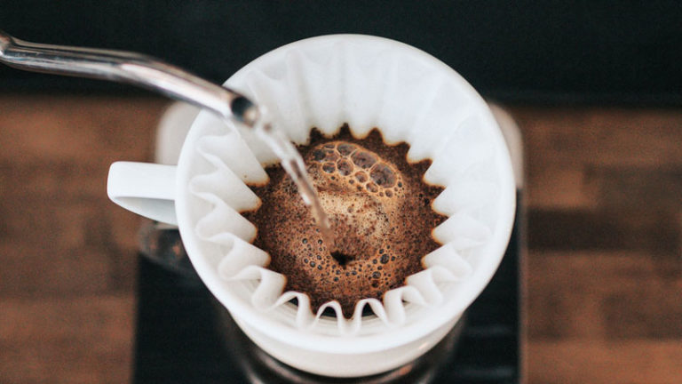 How Fast Coffee Dissolve In Hot Water? Best Water Temperature